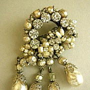 SALE Breathtaking Robert NY Simulated Pearl Vintage Brooch and Earrings