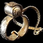 Etched Goldtone Metal Glove Clip