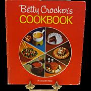 "Betty Crocker's ""Pie Cover"" Cookbook (5- Ring Binder)"