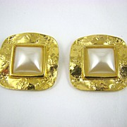 SALE Vintage D'Or Simulated Pearl and Gold Told Shoe Clips