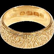 SALE Edwardian 18k Gold Wedding Band with Engraved Floral Motif, Size 6