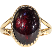 Antique Victorian Cabochon Garnet Ring in 15k Gold