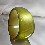 Vintage Lucite Bracelet. Wide. Abstract. Olive Green. Moonglow. Glitter.