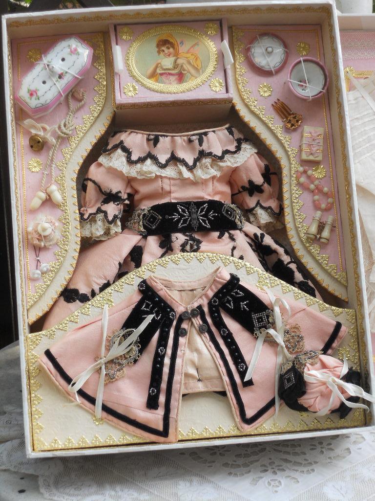 ~~~ Superb French Poupee Costume Presentation in Box ~~~