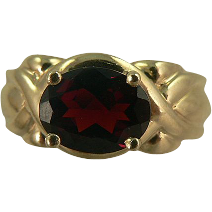 Rich Garnet Ring ~10k ~ Size 6.5.