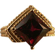 SALE Great Styling in this 14k Gold Vintage Garnet Ring, Size 7.