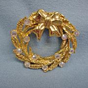 Vintage Gold Tone Wreath Brooch