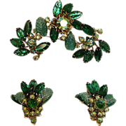 SALE Vintage JUDY LEE Demi Parure - GREEN Rhinestone Brooch and Earrings Set – Vintage JUDY