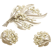 TRIFARI Vintage Brooch & Earrings Set – Trifari Demi Parure Jewelry