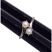 10kt White Gold and Pearl Ring Size 6-3/4