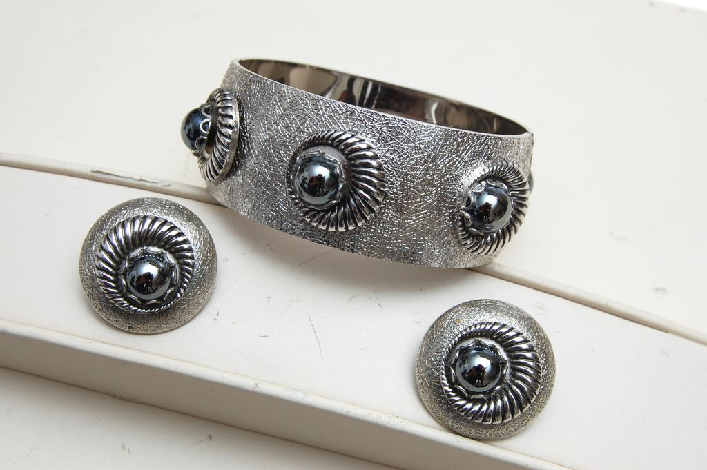 Whiting and Davis Silvertone and Hematite Bracelet and Earrings Set