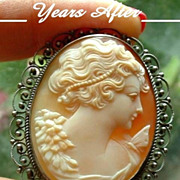 SOLD EXQUISITE Antique Victorian CAMEO Brooch Pendant Carved Carnelian Shell SILVER Filigree L