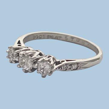 1920's 18ct White Gold & Platinum Trilogy Diamond Ring Small Size