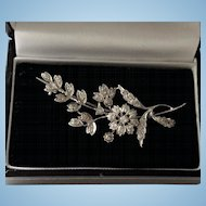 Classic 18ct white gold & diamond flower spray brooch