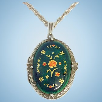 Stunning silver and enamel locket and 24 inch silver chain