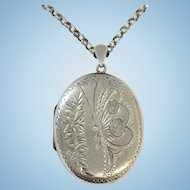 Vintage sterling silver butterfly locket and 25 inch chain