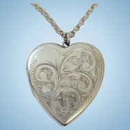 Quality vintage sterling silver love heart locket and 20 inch chain