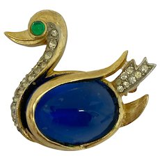 Vintage Crown Trifari Cabochon Sapphire Glass Jelly Belly Duck Brooch