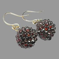 Antique Victorian 9k 9ct Gold Ball Garnet Earrings