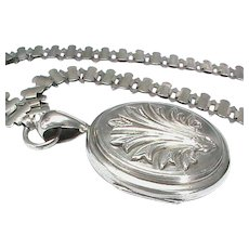 Substantial Antique Victorian Sterling Silver Locket & Collar Book Chain Necklace