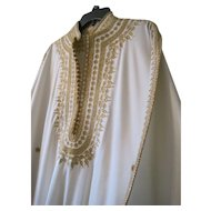 Exceptional Vintage Wedding caftan with gold embroidery and trim in fabulous condition Larger size