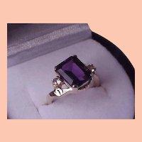 Ladies Vintage 10K Yellow Gold Large Genuine Amethyst Diamond Ring, 1950s