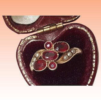 Victorian 10k Yellow Gold Bezel Set 2.00carats Genuine Ruby's & Seed Pearl Ring,1880s