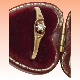 Art Deco 10kt yellow Gold .10ct Solitaire Diamond Ring, 1930s