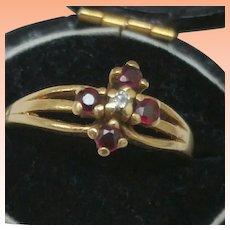 Vintage Estate 14k Yellow Gold Diamond Rubies Ring,1950's