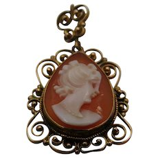14K Gold Carved   Shell Cameo Brooch Pendant