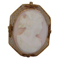 10k Yellow Gold  Coral Angel Skin  Cameo Brooch