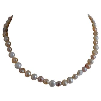 Fresh Water Pearl Necklace Multicolored