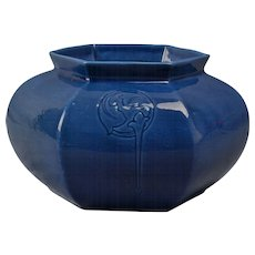 Roseville Pottery Vase, 1925 Rosecraft Blue Hexagon Squat Vase #138-4