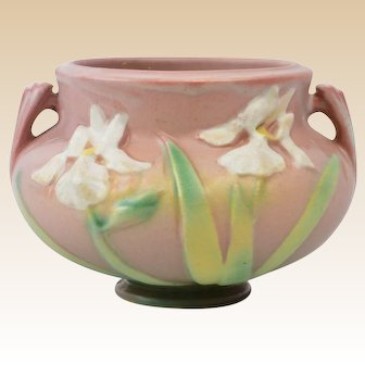 Roseville Pottery 1939 Dusty Pink Iris Jardiniere #647-3