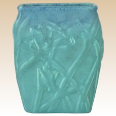 Muncie Pottery 1929 Blue Over Green Katydid Vase # 194-6 Haley Design