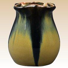 Muncie Pottery 1929 Blue Peachskin Pulled Corner Vase #413-4