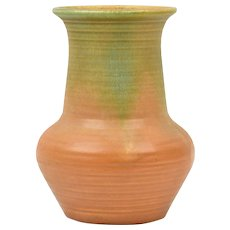 Muncie Pottery Vase 1928-29 Green Over Pumpkin Ribbed Vase # 441-6 1/2