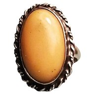 Beautiful Vintage Butterscotch Amber and Sterling Silver Ring