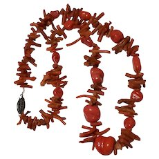 """Beautiful Vintage 17 1/2"""" Branch and chunky Coral Necklace"""