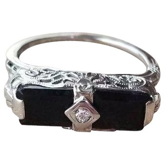 14k Antique White Gold Diamond and Black Onyx Art Deco Filigree Ring