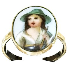 Unusual Vintage  9k Gold Vagabond Boy Portrait Ring