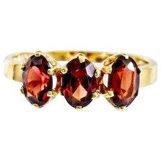 Vintage 14k Lovely Garnet Band Ring