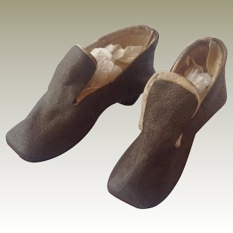 Pair of 19thC leather fashion doll shoes
