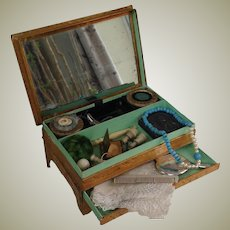 Superb French box for Early fashion filled with accessories