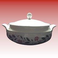Royal Kent Staffordshire England China / Porcelain Holly Poinsettia 2 Qt Casserole