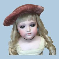 Cute Antique Velvet Beret for Doll
