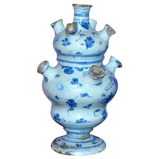 18th Century Italian Savona Pottery Flower Vase