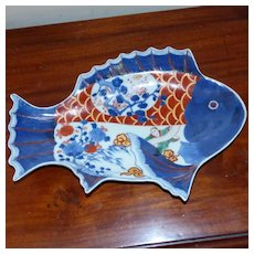 Meiji Period Imari Dish Modeled in the Form of a Fish