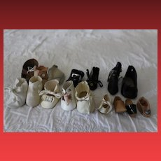 """15 Single doll shoes, NO matches! all different shoes. Smallest is 1 1/4"""" long. Up to  2 3/4"""" in size. 15 single shoes!"""