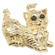 Lively Cat Charm in 14-Karat Yellow Gold